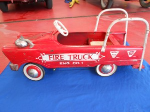 1960s pedal fire truck (1)