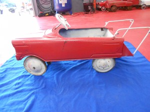 Matell fire pedal car (1)