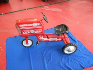 Murray pedal tractor (1)