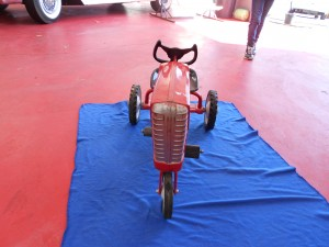 Murray pedal tractor (2)