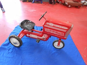 Murray pedal tractor (3)