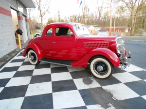 1935 FORD 5 WINDOW COUPE (12)