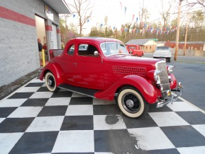1935 FORD 5 WINDOW COUPE (26)
