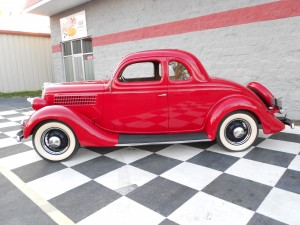 1935 FORD 5 WINDOW COUPE (6)
