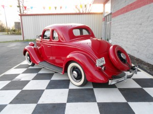 1935 FORD 5 WINDOW COUPE (8)
