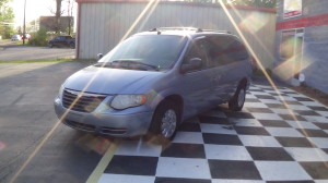 2005 Chrysler Town & Country Blue (13)