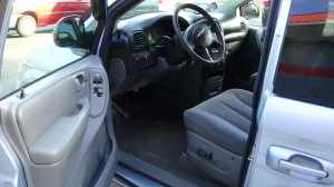 2005 Chrysler Town & Country Blue (14)