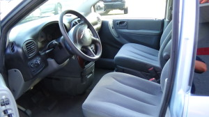 2005 Chrysler Town & Country Blue (15)