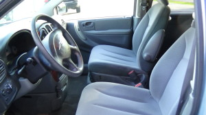 2005 Chrysler Town & Country Blue (17)
