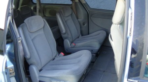 2005 Chrysler Town & Country Blue (28)