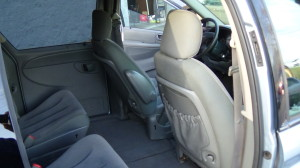 2005 Chrysler Town & Country Blue (29)
