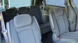 2005 Chrysler Town & Country Blue (30)