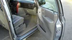 2005 Chrysler Town & Country Blue (31)