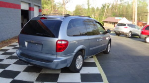 2005 Chrysler Town & Country Blue (6)