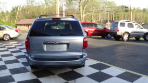 2005 Chrysler Town & Country Blue (7)